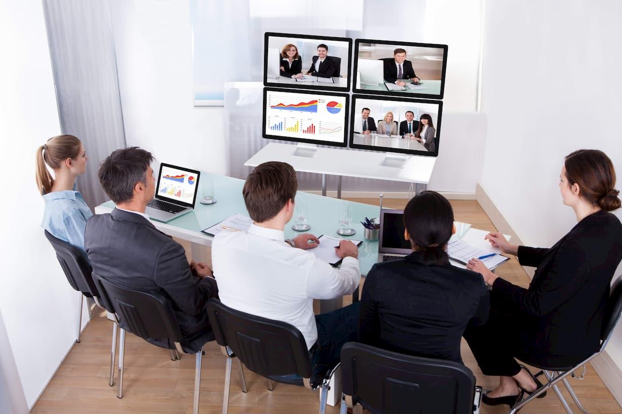 顧客コミュニケーションを効率化させるWeb RTC