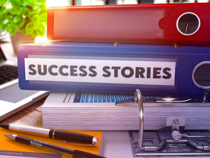 成功事例、ファイル、デスク、SUCCESS STORIES