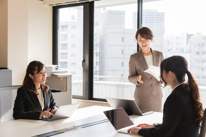 一般的な新人の営業トレーニングとセールスイネーブルメントの違い
